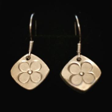 ma petite fleur - fine silver earrings